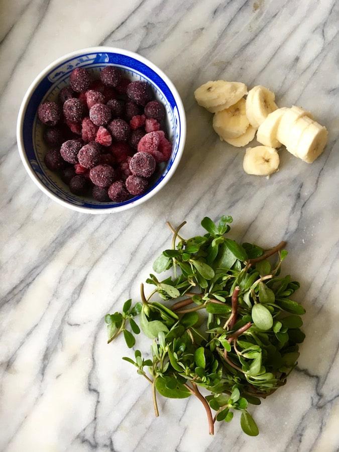 purslane blueberry banana smoothie ingredients | flavorpalooza.com